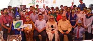 Participants of a Green Art Fest with Dignitaries